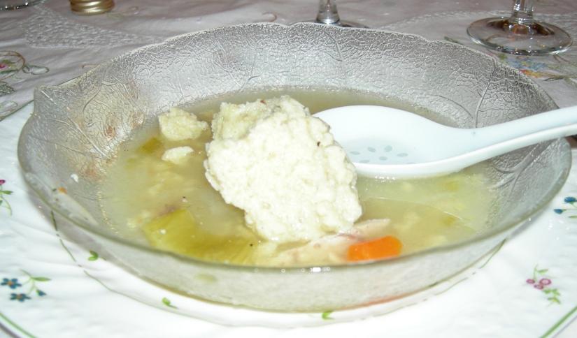 DSCN0119_Fran Matzoh Ball Soup.jpg