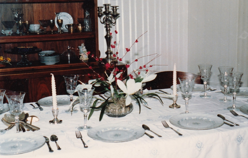 Moms Passover Table_Cropped